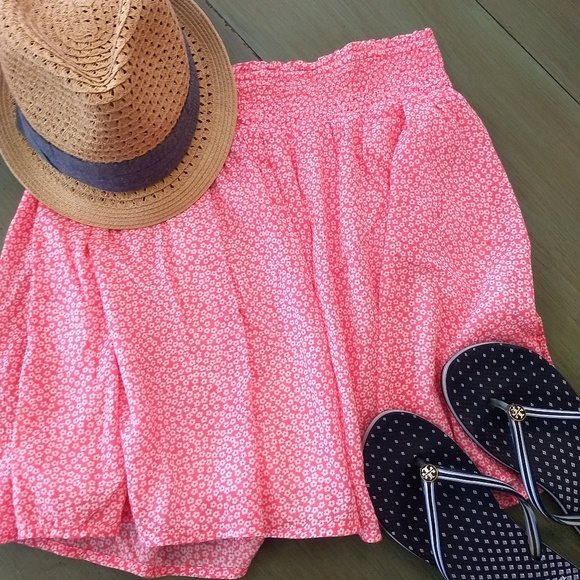 Old Navy Dresses & Skirts - Old Navy coral skirt